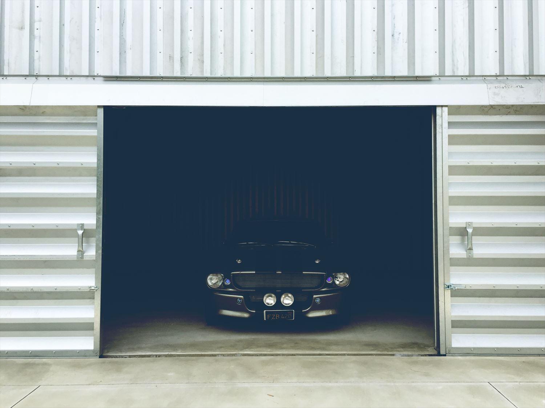 アメリカンガレージと車